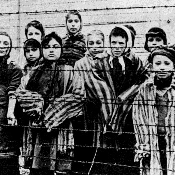 У Німеччині 88-річну жінку засудили за заперечення Голокосту