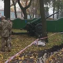 Поблизу Верховної ради встановили гармати (фото)