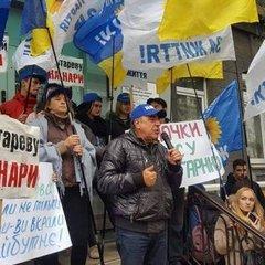 Рабінович: «Ми не піддамося на провокації і будемо стояти під НБУ, поки Гонтареву і Рожкову не заарештують» (відео)