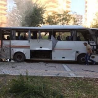 В Туреччині підірвали автобус з поліцейськими: є поранені