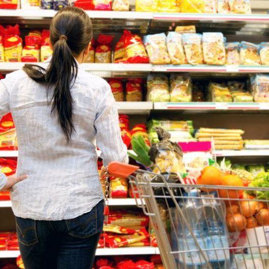Як супермаркети ошукують покупців: 8 методів