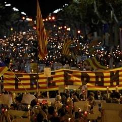 У Каталонії сотні тисяч людей виступили проти арештів громадських лідерів (фото)