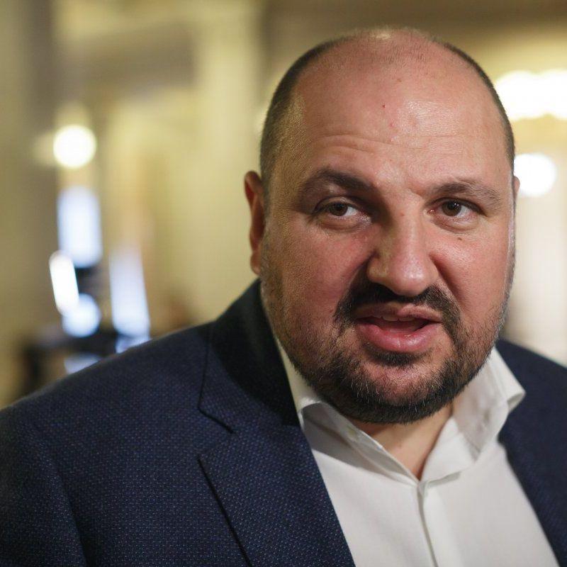 НАБУ затримали депутата Борислава Розенблата в аеропорту Київ