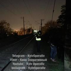 У Києві на Куренівці знайшли тіло мертвого чоловіка (фото, відео 18+)