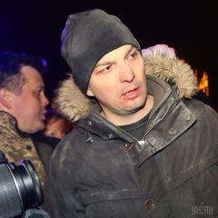«Я провокатор? Я в аеропорту воював!»: під Радою нардеп Соболєв побився з мітингувальником (відео)