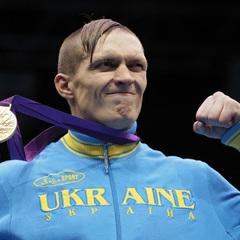Боксерський бій Усик – Брієдіс може пройти в Україні, – менеджер Усика