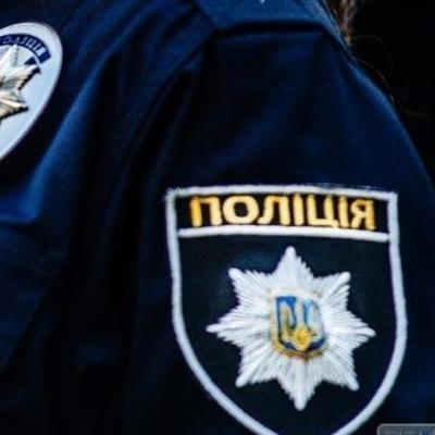 У Києві патрульні врятували двох малюків, яких майже на дві доби батьки залишили у квартирі (відео)
