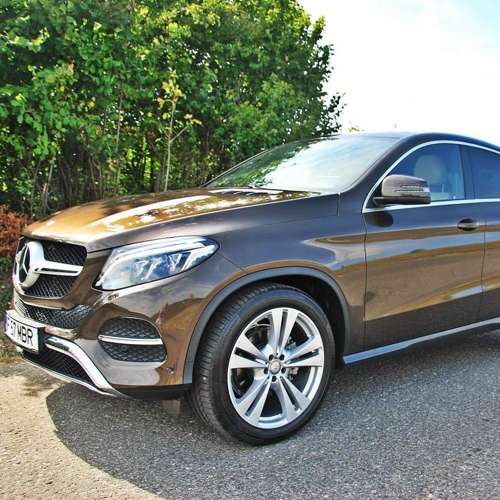 Дружина Гройсмана придбала новий автомобіль вартістю в 2 мільйони гривень