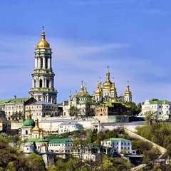 У Почаївській лаврі заборонили молитися за католиків та греко-католиків
