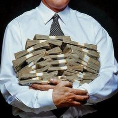 У Держстаті кажуть, що середня зарплата в Україні зросла майже на 40%