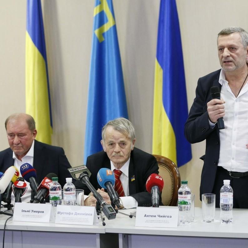 Чийгоз збирається повернутися до Криму, а Умеров наголошує, що нікого не просив його вивозити і звільняти