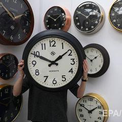 Уночі Україна перейде на зимовий час