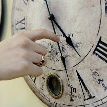 Україна перейшла на зимовий час: головний годинник знаходиться не у Києві