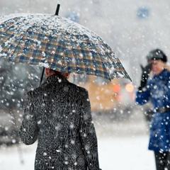 В Україні сьогодні пройдуть дощі, місцями з мокрим снігом (карта)