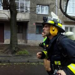 Столичний рятувальник встановив рекорд України у напівмарафоні в повному бойовому одязі