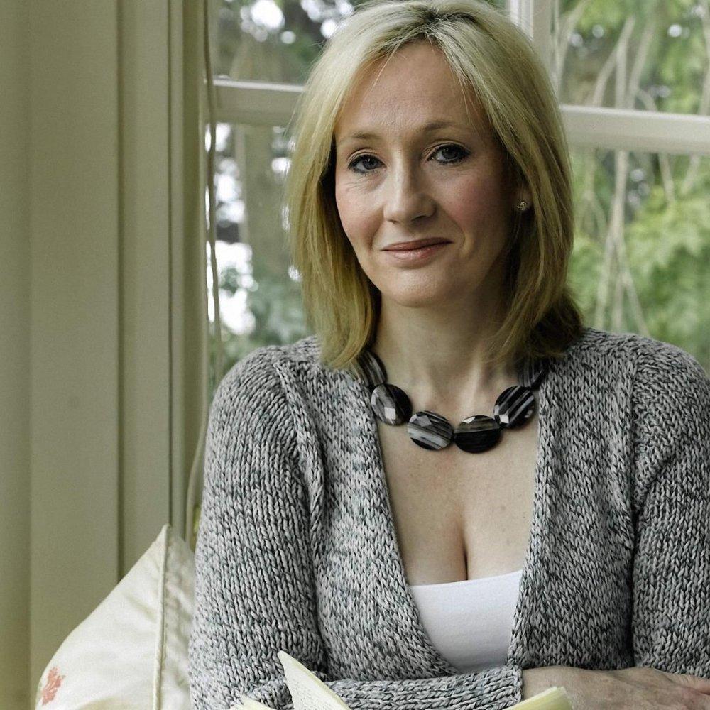 Авторка романів про Гарі Поттера допоможе дітям з українських інтернатів