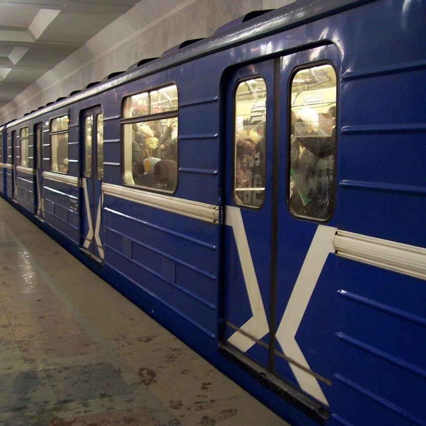 У Києві було призупинено рух поїздів на Куренівсько-Червоноармійській лінії метрополітену