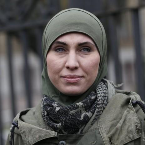 Під Києвом розстріляли автомобіль з Аміною Окуєвою: жінка загинула