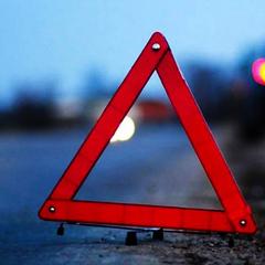 У Кропивницькому іномарка на смерть збила молоду жінку та навіть не пригальмувала (відео)