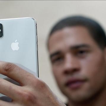 Близнюки обдурили систему Face ID в iPhone X (відео)
