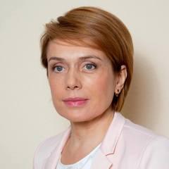 Гриневич заробила в жовтні в три рази менше, ніж її держсекретар