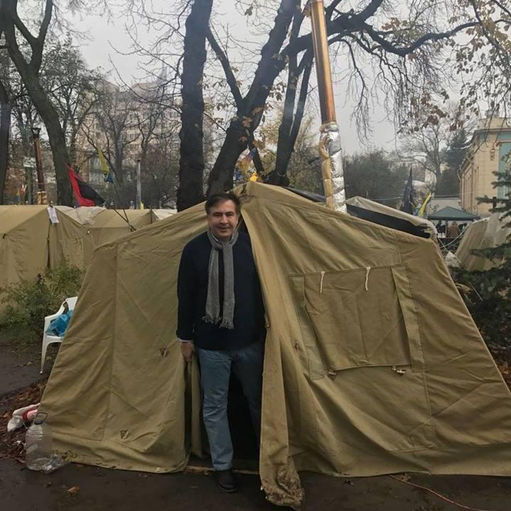 Саакашвілі оскаржив у суді відмову міграційної служби надавати йому статус біженця