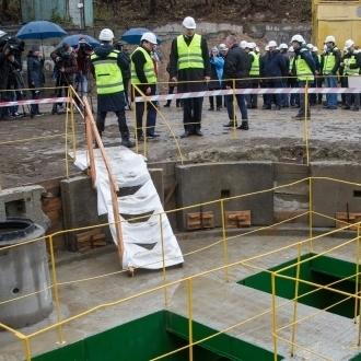 Віталій Кличко взяв участь у запуску новозбудованої нитки столичного колектора (відео)