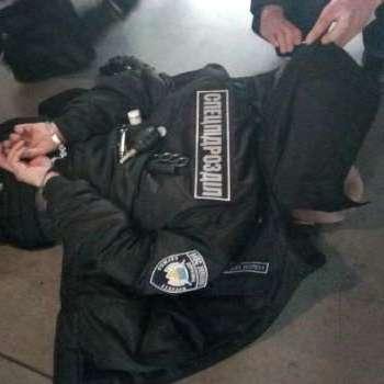 У Києві затримали озброєного росіянина у формі Нацполіції