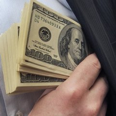 Шокуючі цифри від МВФ: корупція щорічно коштує Україні 2% ВВП