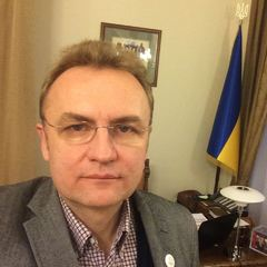 Андрій Садовий попросив водія порушити правила дорожнього руху