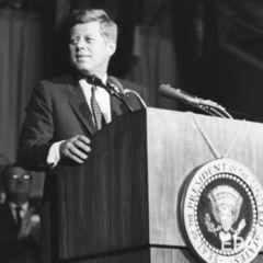 У США розсекретили ще 676 документів у справі про вбивство Кеннеді