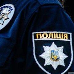 На Столичному шоссе поліція знайшла автомобіль із трупом