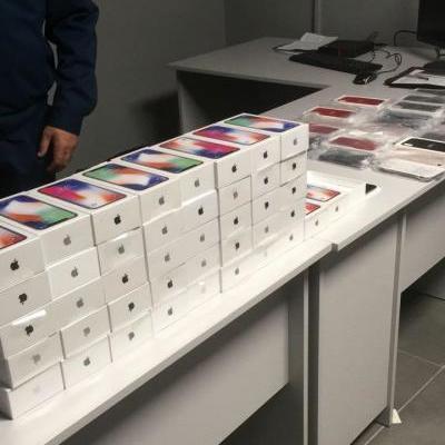 В аеропорту Одеси прикордонники виявили IPHONE X у кількості 43 штук