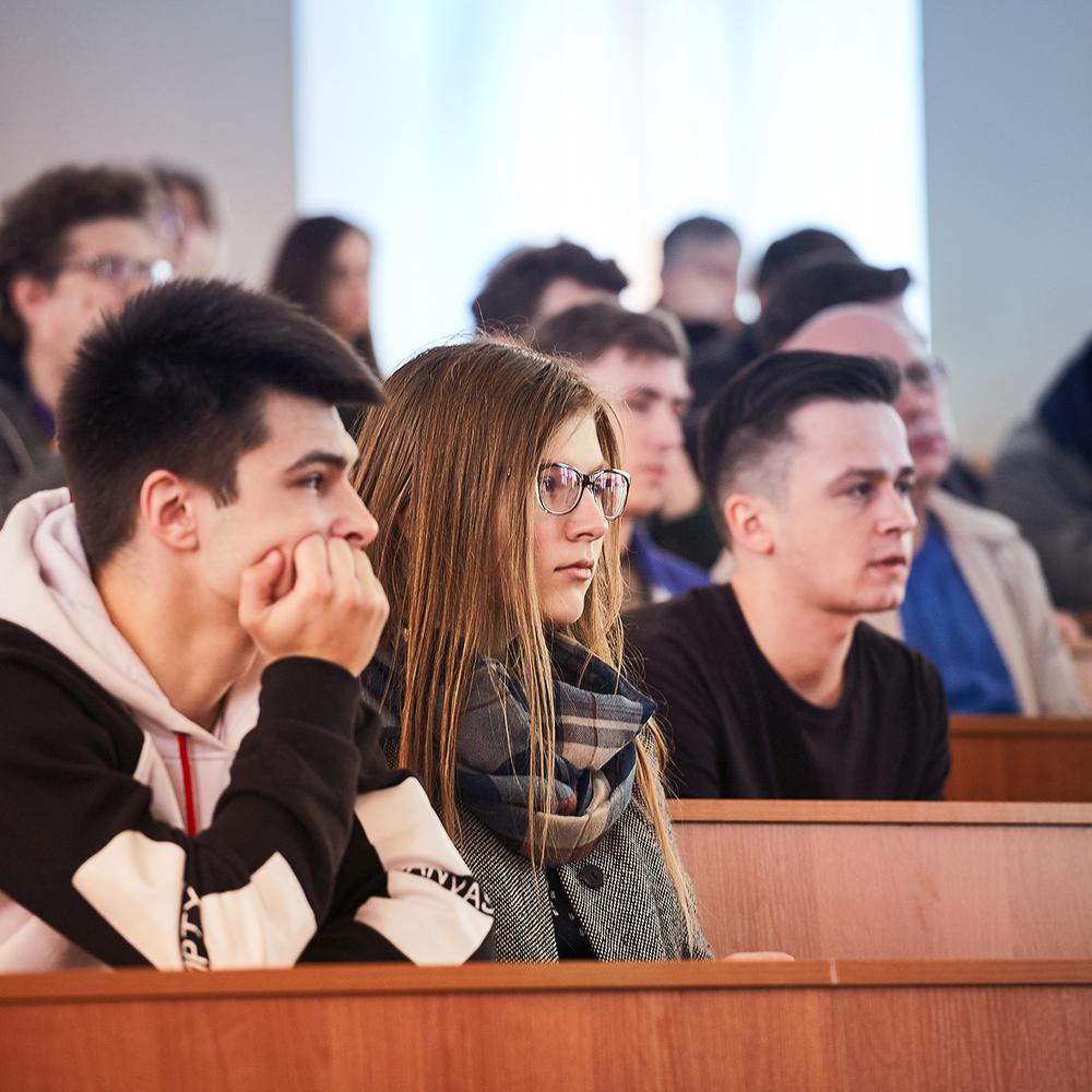 Уряд підвищив академічні та соціальні стипендії студентів на 18%