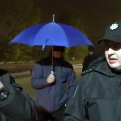 Журналісти програми «Схеми» показали, як їх били перед прильотом Медведчука (відео)