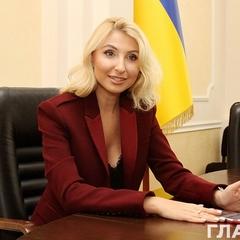 Заступниця міністра юстиції Севостьянова оприлюднила вартість своєї обручки (фото)