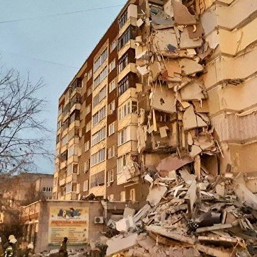 У російському Іжевську обвалилися дев'ять поверхів житлового будинку (фото, відео)
