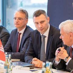 Кличко німецьким міністрам: «Я вдячний уряду Німеччини за допомогу і переконаний: ми відпрацюємо необхідний алгоритм для спільного успішного втілення проекту добудови Подільсько-Воскресенського мосту» (фото)