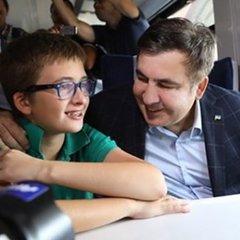 «В аеропорту Бориспіль затримали мого 11 річного сина», - заява Саакашвілі