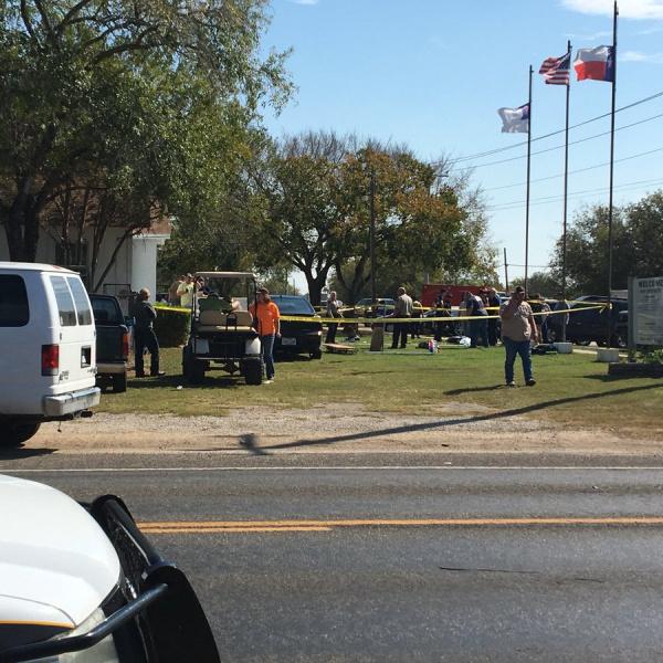 Чоловік, який розстріляв людей в церкві Техасу перед цим намагався задушити дружину
