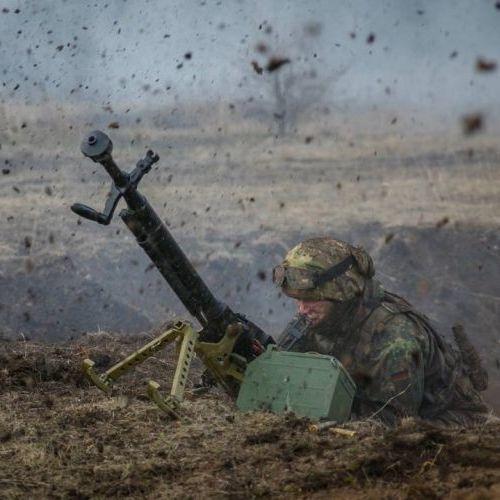 На підступах до Донецька бойовики тричі били з 82-міліметрових мінометів і піхотного озброєння, - штаб АТО