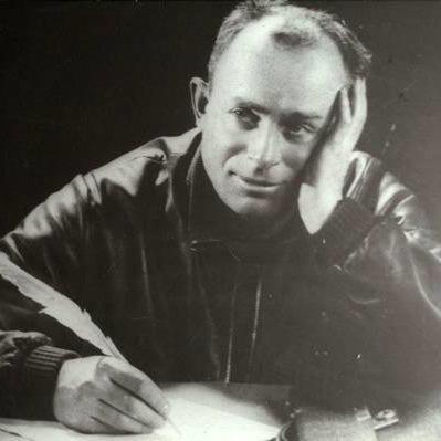 128 років  тому народився український письменник-сатирик Остап Вишня