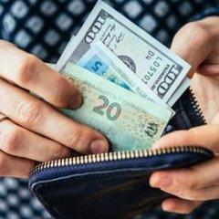 У Нацбанку пояснили, чому українці масово скуповують іноземну валюту