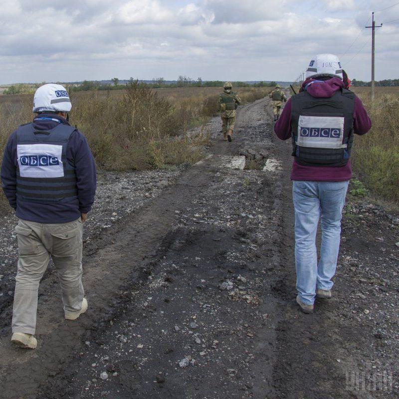 Місія ОБСЄ зафіксувала за вихідні на Донбасі понад 770 вибухів