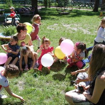 На Київщині завідуюча дитсадка заборонила дітям носити хрестики
