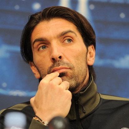 Легендарний голкіпер розплакався, оголошуючи про завершення кар'єри у збірній Італії (відео)