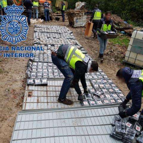 В Іспанії вилучили рекордні 1,2 тонни кокаїну (фото)