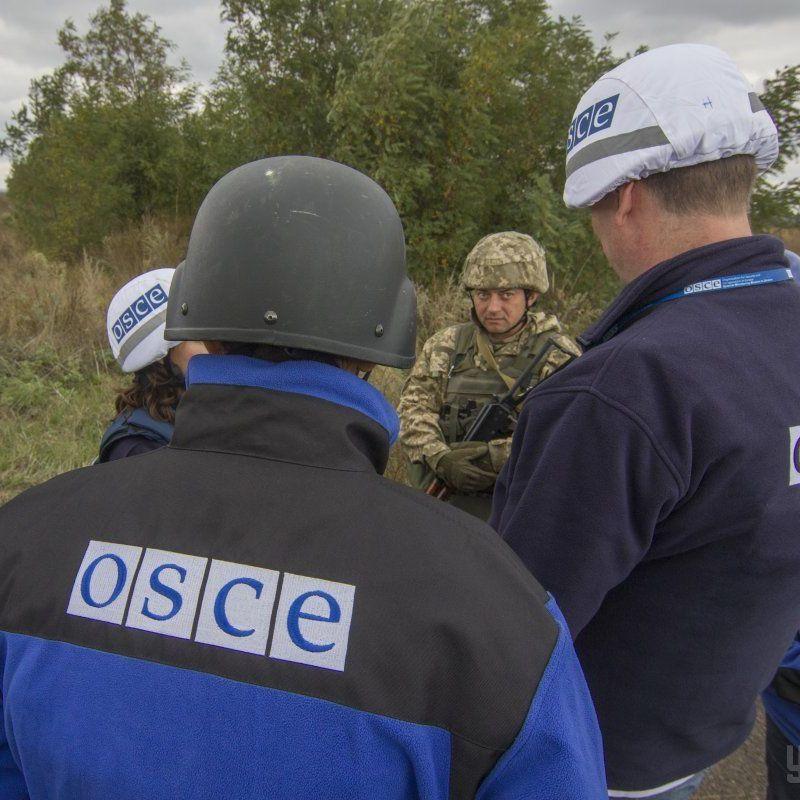 Місія ОБСЄ за добу зафіксувала близько 320 вибухів на Донбасі