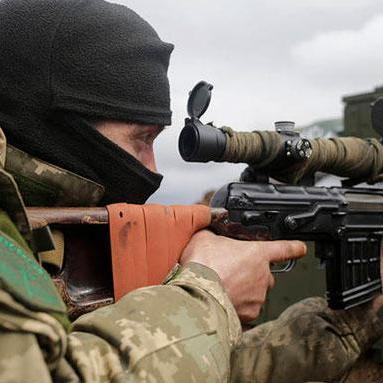 У зоні АТО протягом минулої доби двоє українських військовиків дістали поранення