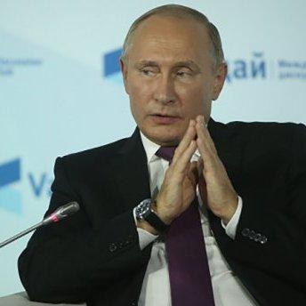 Путін подарував президенту Вірменії Саргсяну картину з демоном